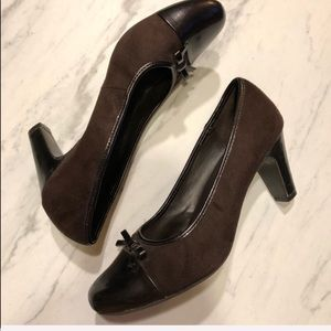 TARGET-Brown Faux Suede Bow Top Heels- Size 8W
